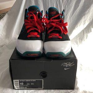 d25f616a1a2b Nike Shoes - Nike Air Max Lebron VII NFW - Red Carpet